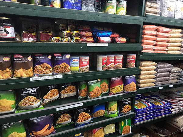 インドのお菓子ナムキーンと豊富な種類の豆