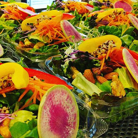 栄養満点な満足サラダ