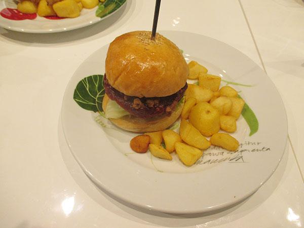 プラントベースビーフの「ハンバーガー」