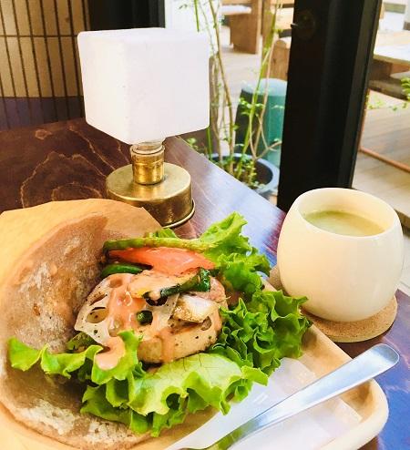 食育ブース「ソイハムベジサンド」&カフェ「ソイ甘酒(抹茶)」