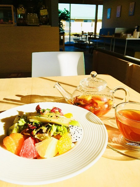 「果物屋さんの賢美フルーツパスタ」&「果樹園の紅茶」