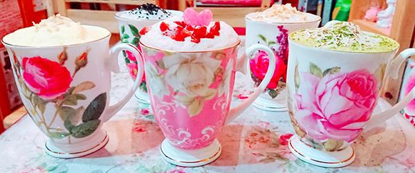 素敵なカップは、その日の気分で選べます。