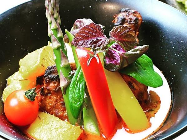 チキンと湘南鎌倉野菜のスープカレー