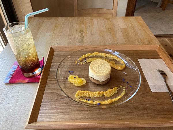 うわさのどぶろくチーズケーキと季節の発酵ドリンク